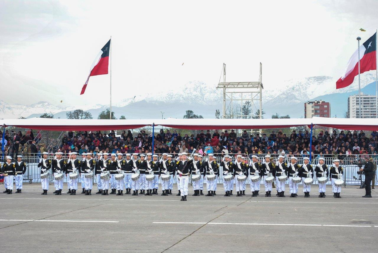 APOLINAV DESFILÓ EN EL DÍA DE LAS GLORIAS DEL EJÉRCITO DE CHILE.