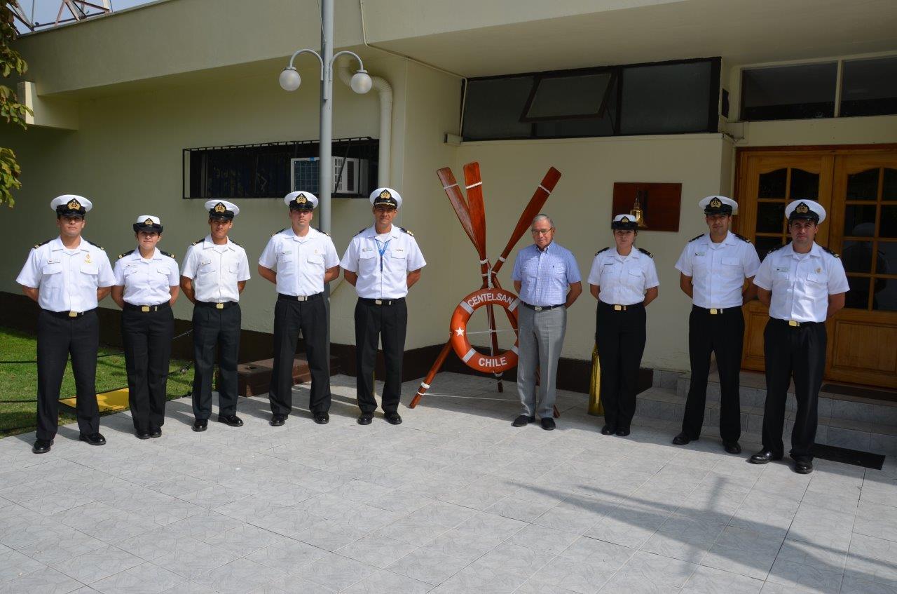 ALUMNOS OFICIALES DE TELECOMUNICACIONES REALIZAN VISITA PROFESIONAL AL CENTRO DE TELECOMUNICACIONES NAVALES DE SANTIAGO.