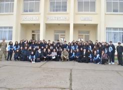 Alumnos del Liceo Juana Ross de Edwards visitaron la Academia Politécnica Naval.