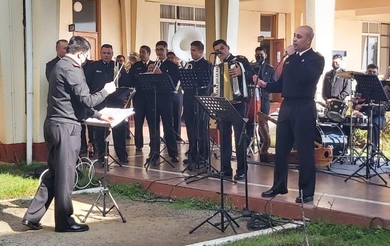 BANDA INSTRUMENTAL APOLINAV REALIZÓ INTERVENCIÓN MUSICAL EN EL CAMPUS HYATT.