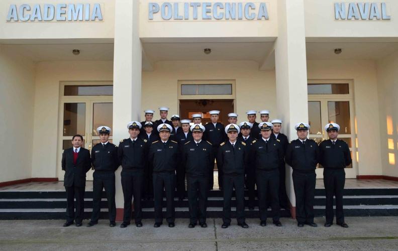 Alumnos de la Escuela Litoral de la A.P.N. recibieron la visita de los Contraalmirantes Litorales