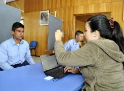 Alumnos se inscribieron para obtener y revalidar la Tarjeta Nacional Estudiantil.