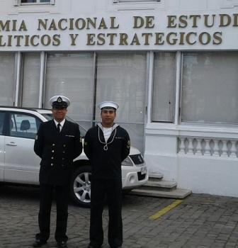 ESCUELA DE INCENDIO APOLINAV INSTRUYE A LA DOTACIÓN DE LA ANEPE