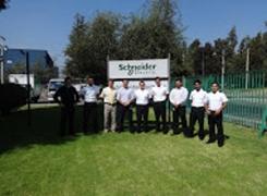 """Visita de Oficiales Alumnos de 6° Politécnico a la Empresa """"Schneider Electric""""."""