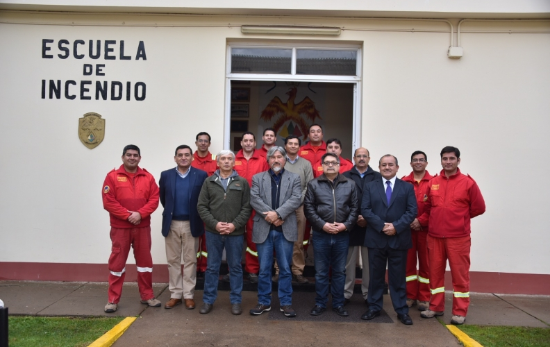 ESCUELA DE INCENDIO DE LA A.P.N. RECIBIÓ A SUS EX INSTRUCTORES.