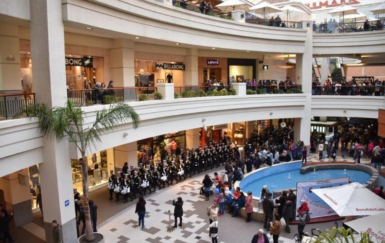 INTERVENCIÓN URBANA MUSICAL EN CENTROS COMERCIALES VIÑAMARINOS REALIZÓ LA A.P.N.