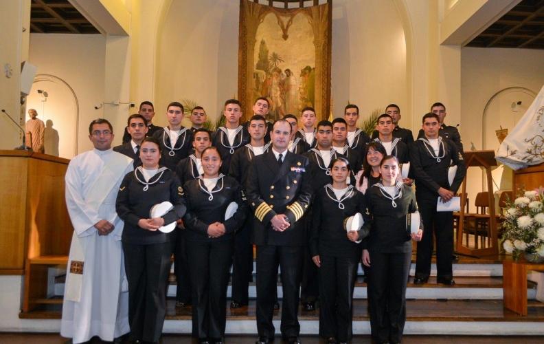 APOLINAV PARTICIPÓ EN LA SANTA MISA CRISMAL EN EL OBISPADO CASTRENSE.